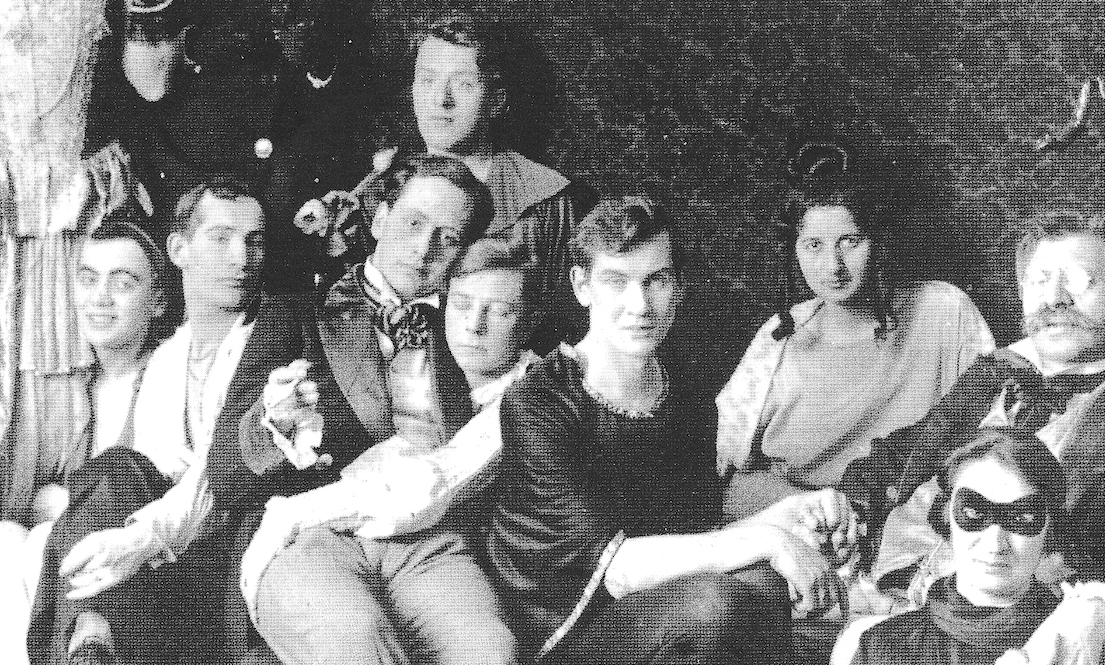 iconic queer history photograph by Magnus Hirschfeld